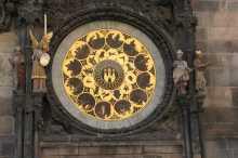 L'orologio astronomico nella piazza della città vecchia di Praga