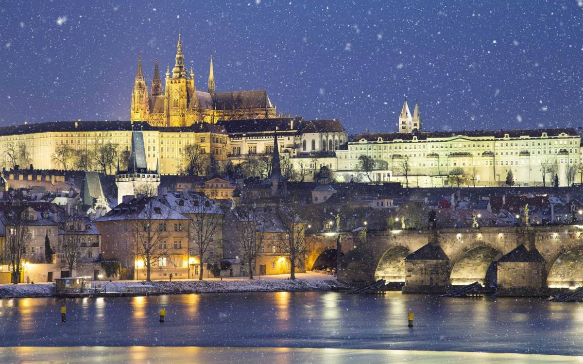 1-hour Christmas Cruise with Czech Sweets